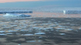 Ice flow adrift in Vincennes Bay in the Australian Antarctic Territory.   There are fears efforts to combat global warming will be undermined by double counting of carbon credits.  AAP Torsten Blackwood