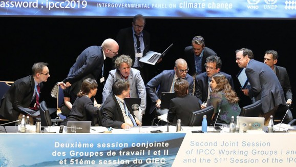 Professor Nerilie Abram (right of photo) at the IPCC Special Report on the Ocean and Frozen Regions in a Changing Climate