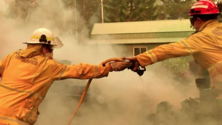Bushfires aren't the only catastrophic emergency Australia is likely to see. AAP Image/Mick Tsikas