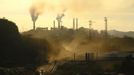 A photograph of Chengde Iron and Steel Co, 200 kilometres north-east of Beijing, in September.